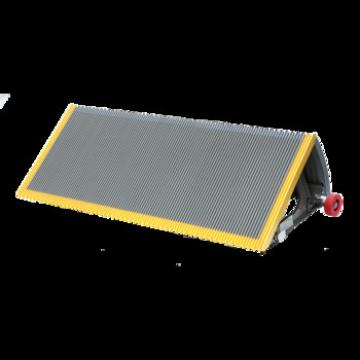 100mm Gray Escalator Stainless Steel Step With Red Roller