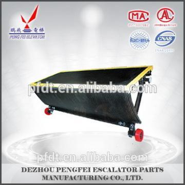 escalatotr parts stainless steel escalator step Yellow edge all around