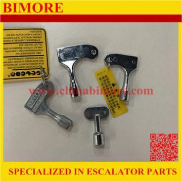 Lift triangle lock key