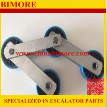 Moving Walkway Chain With Axle For 1000mm Escalator Pallet